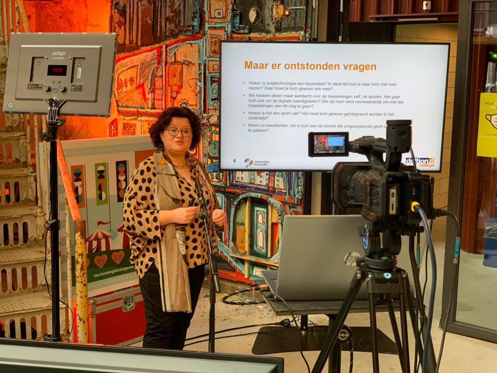 Jolanda van Til presenteert tijdens het Kennisfestival
